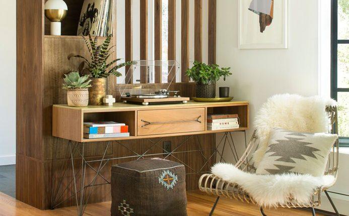 Desk area with custom built-ins